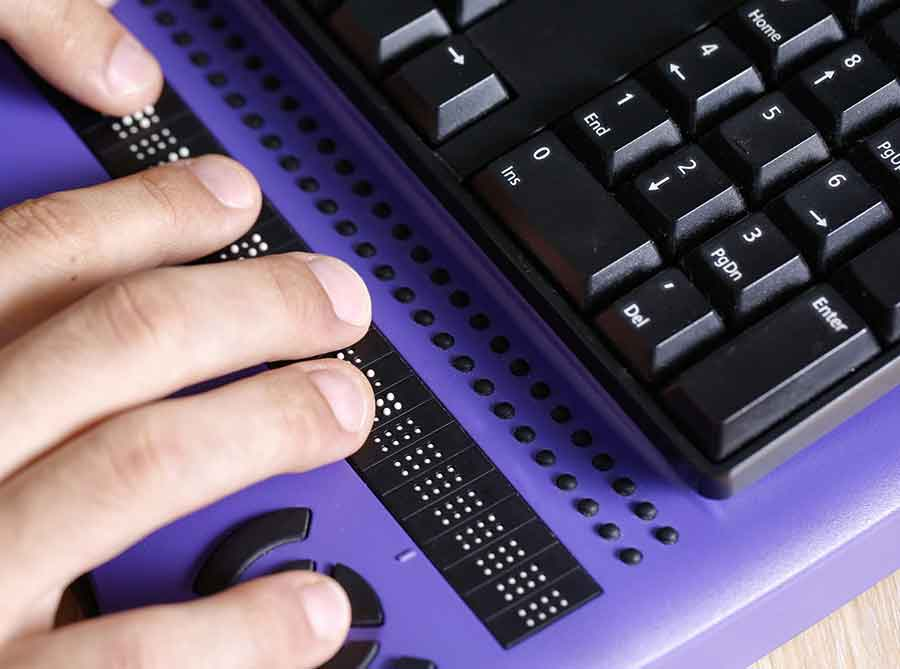 hands on braille computer display